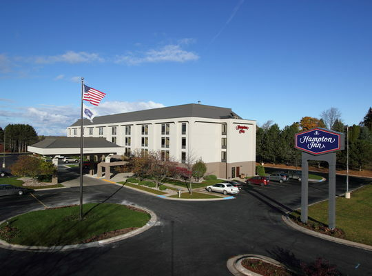 hampton inn cadillac. Cars Review. Best American Auto & Cars Review