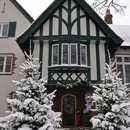 Grand entrance to the W K Kellogg Manor House