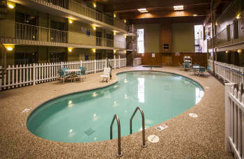 Marquette Michigan Hotel Rooms Ramada Marquette