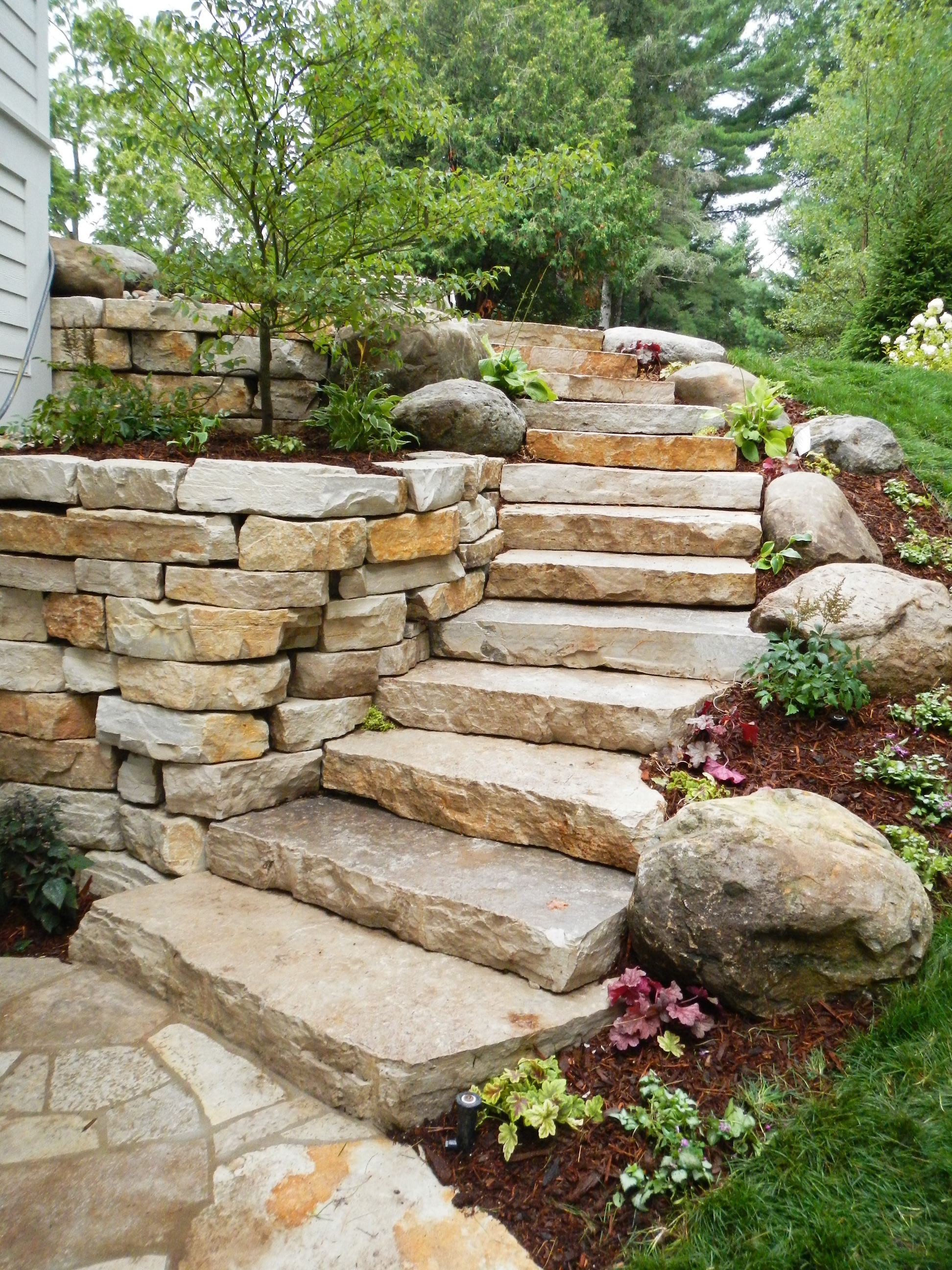 Stone steps robinson 39 s landscaping and nursery for Pictures of stone steps