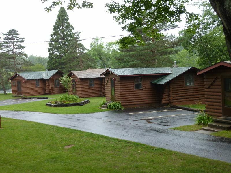 Edgewater Cabins