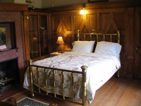 Kingston Room #11