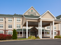 Country Inn & Suites of Marquette