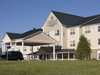 Welcome to the Country Inn & Suites Houghton, MI!