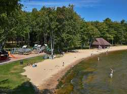 Kenwood Beach is a family oriented beach, free parking